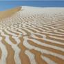 Tuyết rơi bất thường ở sa mạc Sahara, tạo nên bức tranh tuyệt đẹp trên cát