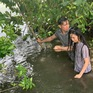 """Bạch Công Khanh gặp khó với cảnh té sông ở phim """"Ngày em đến"""""""