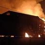 Bình Dương: Khống chế đám cháy lớn tại công ty sản xuất đồ gỗ