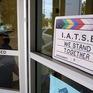 Liên đoàn công nhân điện ảnh Hollywood đạt được thỏa thuận với các nhà sản xuất, tránh đình công