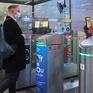 Thanh toán vé tàu điện ngầm bằng nhận dạng gương mặt tại Nga