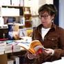 """Pháp """"tung chiêu"""" bảo vệ ngành công nghiệp bán sách truyền thống"""