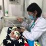 Bé sơ sinh bị bỏ rơi tím tái ven đường may mắn được cứu sống