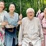 Hồng Diễm đăng ảnh hậu trường Hướng dương ngược nắng khác xa trên phim