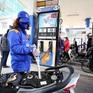 """Giá xăng dầu có thể """"nhảy vọt"""" ngày mai (25/2)"""