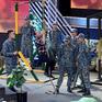 """Nghệ sĩ Quang Thắng không ngại """"đọ sức"""" với các chiến sĩ Phòng không Không quân"""