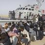 Giải cứu khoảng 100 người di cư ngoài khơi Libya