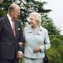 Nữ hoàng Elizabeth II - Hoàng thân Philip: Mối tình từ cái nhìn đầu tiên cho tới lúc ra đi mãi mãi