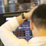 """Thị trường """"nhuộm"""" đỏ, VN-Index giảm gần 7 điểm"""