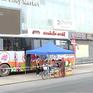 Biến xe bus thành xe bán hàng lưu động, phục vụ thực phẩm cho người dân vùng phong tỏa