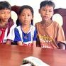 3 học sinh nghèo trả lại 2 xấp tiền 500.000 nhặt được