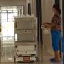 Bệnh viện Bạch Mai cơ sở 2 ứng dụng robot hỗ trợ người bệnh trong khu vực cách ly