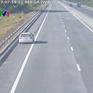 Tài xế ô tô đi ngược chiều trên cao tốc gặp ngay CSGT