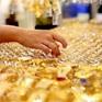 Giá vàng áp sát mốc 56 triệu đồng/lượng