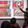 Giới nhà giàu Trung Quốc chi tiền học cách phân biệt hàng hiệu