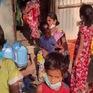 Cha mẹ nhập viện hoặc chết vì COVID-19, nhiều trẻ Ấn Độ bị bỏ đói