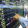 VN-Index bật tăng mạnh mẽ