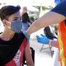 Mỹ đã tiêm 300 triệu liều vaccine, nhiều nước dừng tiêm mũi 2 do thiếu nguồn cung