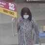 Đội tóc dài giả gái, vào cửa hàng cướp điện thoại