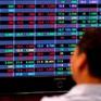 Áp lực bán dâng cao, VN-Index quay đầu giảm