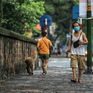 Hà Nội: Vẫn còn người dân ra đường tập thể dục bất chấp Chỉ thị giãn cách xã hội