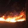Cháy lớn tại bãi tập kết vật liệu xây dựng ở Bình Định