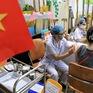 Người dân quận Hoàn Kiếm tiêm vaccine ngừa COVID-19, tuân thủ nghiêm 5K
