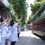 Gần 200 cán bộ y tế Bệnh viện Bạch Mai lên đường chi viện TP Hồ Chí Minh chống dịch