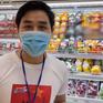 """MC Nguyên Khang cùng các nghệ sĩ """"đi chợ giúp dân"""""""