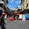 """""""Chợ phố"""" nổi tiếng ở Hà Nội khoác áo mới sau 10 ngày tạm dừng phòng dịch"""