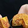 """Bánh nướng, bánh dẻo """"né"""" COVID-19 bằng đường online"""