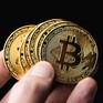 Bitcoin bật tăng, vượt 48.000 USD