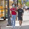 Học sinh từ 12 tuổi ở Los Angeles phải tiêm đủ vaccine mới được tới trường
