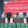 Quân khu 7 trao hàng ngàn phần quà giúp người dân khó khăn vùng tâm dịch