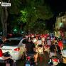 Những người tập trung ra đường đêm Trung thu ở Hà Nội cần tự theo dõi sức khoẻ