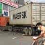 Xe container tông dải phân cách, lao vào chi nhánh ngân hàng