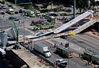 Mỹ: Sập cầu tại Miami, nhiều người thương vong