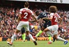 Đánh bại Arsenal, Man City khởi đầu may mắn trên hành trình bảo vệ ngôi vương