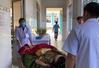 CẬP NHẬT Tình hình mưa lũ: Chuyển nạn nhân vụ sạt lở ở Nam Trà My tới bệnh viện chữa trị