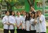 """Ngôi trường THPT giữa Hà Nội """"hoài cổ"""" nói không với điện thoại, lớp nam nữ riêng biệt"""